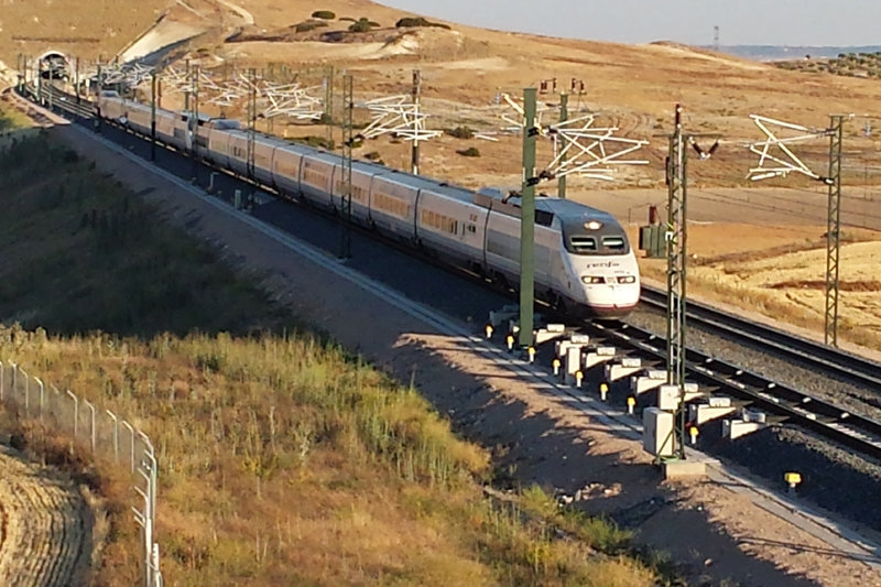 AVE Madrid-León, cómo llegar a León