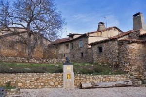 Estatua en homenaje a Almanzor en Calatañazor