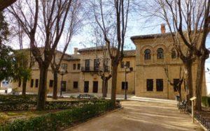 Antiguas Escuelas en la Plaza de la Constitución