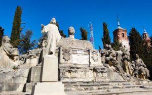 Restos del Monumento al Sagrado Corazón dinamitado durante la Guerra Civil