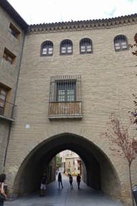 Arco del Deán anexo a La Seo