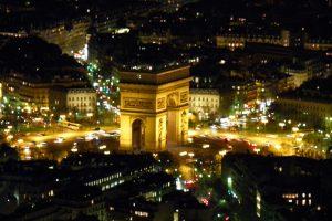 Arco del Triunfo, una de las visitas imprescindibles de París