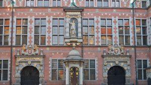 Detalles de la fachada del Gran Arsenal de Gdansk