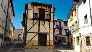 Arquitectura popular de Covarrubias, declarado Conjunto Histórico-Artístico