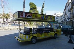 Autobús turístico de Baeza