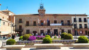 Ayuntamiento de Almagro cerrando el lado este de la Plaza Mayor