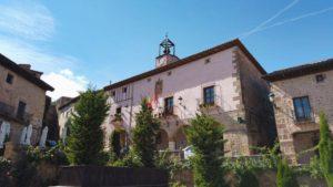 Ayuntamiento de Atienza en la Plaza de España