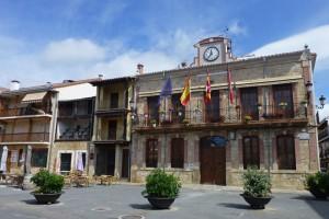 Ayuntamiento de Candeleda en la Plaza Mayor