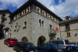 Ayuntamiento de Torla-Ordesa, edificio reconstruido a mediados del siglo XX
