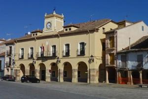 Edificio del Ayuntamiento de Turégano en la Plaza Mayor