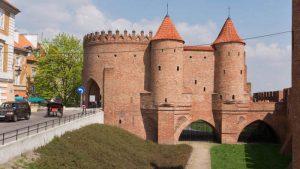 Barbacana de Varsovia, uno de los pocos elementos que se conservan de la antigua muralla