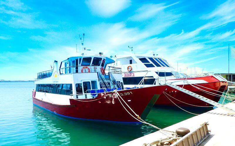 Barcos con destino a la Isla de Tabarca