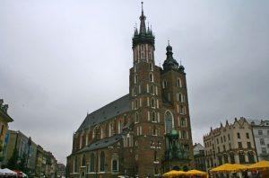 Basílica de Santa María en la Plaza del Mercado de Cracovia