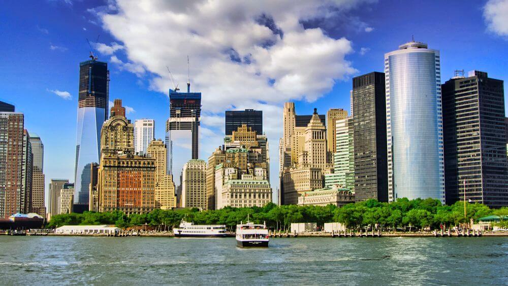 Battery Park visto desde el río Hudson, parques de Nueva York
