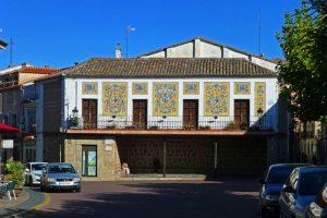 Antigua Biblioteca Popular en la Plaza del Navarro