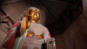 Estatua de Buda en el interior de la Pagoda de Yingxian