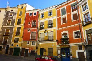 Edificios de colores de la calle Alfonso VIII