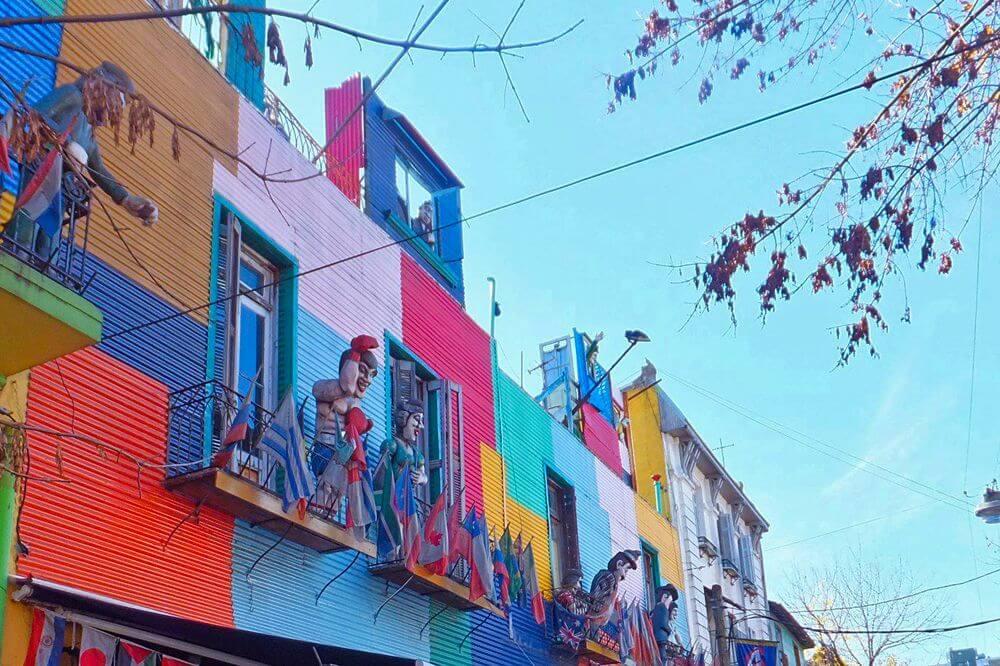 Calle Caminito en La Boca, uno de los barrios más pintorescos de Buenos Aires