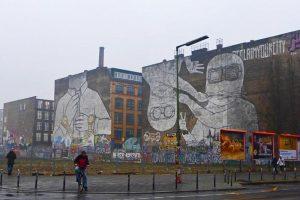 Graffitis en el barrio Kreuzberg de Berlin