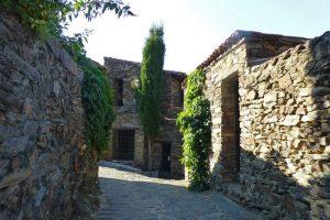 Patones de Arriba, muestra de la arquitectura negra en Madrid
