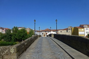 Calzada del Puente Viejo de Monforte de Lemos