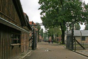 Cartel a la entrada del Campo de Concentración de Auschwitz I