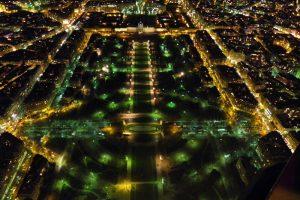 Campo de Marte a los pies de la Torre Eiffel