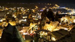 Vista nocturna de la Capadocia