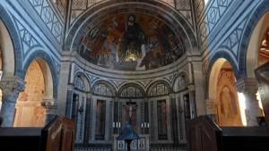 Capilla del Crucifijo en la Basílica de San Miniato del Monte, iglesias de Florencia