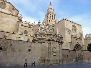Puerta de los Apóstoles y Capilla de Junterones de la Catedral de Murcia