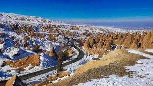 Carretera atravesando la Capadocia