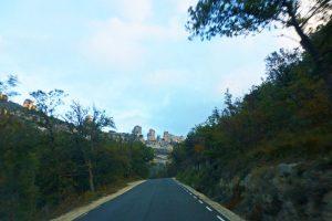 Carretera para llegar a Orbaneja del Castillo