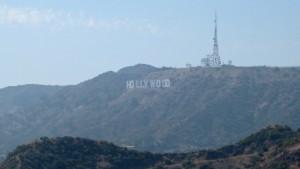 Cartel de Hollywood en las colinas de la ciudad