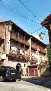 Casa de los Haro y Casona-Palacio de los Alonso Caballero