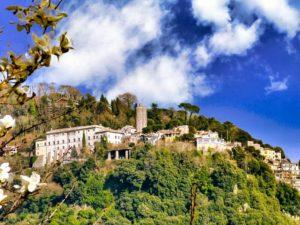 Palacio en lo alto de las Colinas Albanas de Castelli Romani