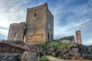 Castillo de Calatañazor, a sus pies se vivió la famosa batalla donde Almanzor perdió el tambor