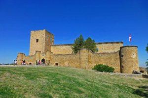 El Castillo de Pedraza acoge cada año los Conciertos de las Velas