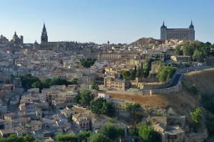 Ciudad de Toledo alzándose sobre el río Tajo, historia de Toledo