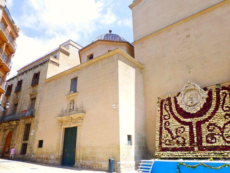 Exterior de la Concatedral de San Nicolás de Bari en Alicante
