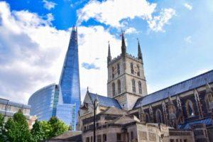 Catedral de Southwark a los pies del rascacielos The Shard