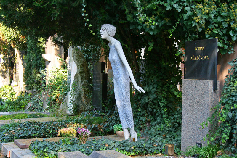 Cementerio de Vyšehrad, uno de los principales atractivos de la colina de Vyšehrad