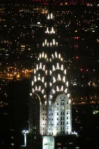 Vista nocturna del edificio Chrysler