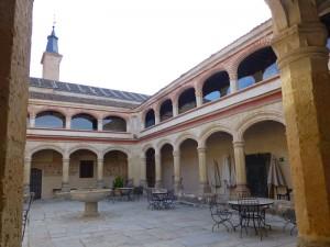 Claustro del Monasterio de San Antonio el Real