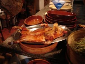 Tostón de Arévalo asado en horno de leña