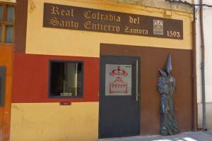 Sede de la Cofradía del Santo Entierro, una de las que procesionan en la Semana Santa de Zamora, fiestas de Zamora