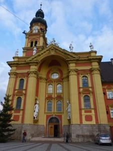 Exterior de la Colegiata Wilten, una de las iglesias de Innsbruck