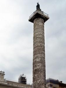 Columna de Marco Aurelio en la Plaza Colonna