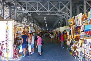 Feria de Artesanía en el interior de los Antiguos Almacenes de Depósito San José