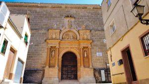 Portada del Convento de Jesús y María