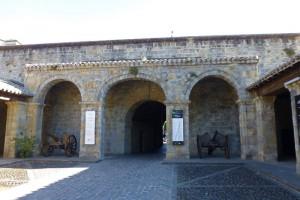Cuerpo de Guardia de la Ciudadela de Pamplona, muralla de Pamplona